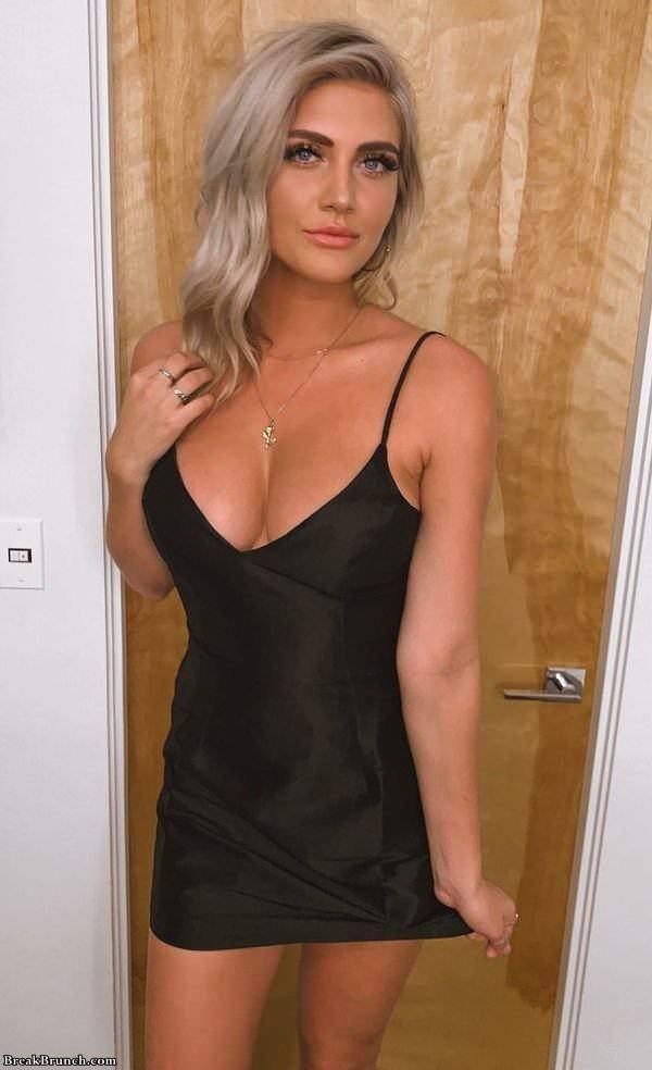hot-girl-122119-11.jpg