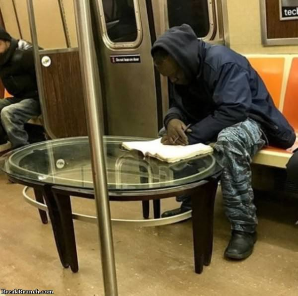 Weird shit only in subway (21 pics)