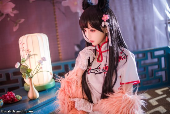 Gorgeous Azur Lane Atago cosplay by Shika XiaoLu (5 pics)