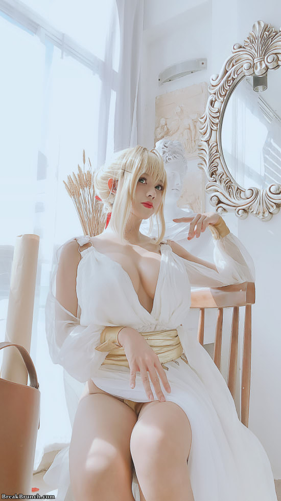Fate/Grand Order Nero Claudius cosplay by Ping Ping (6 pics)
