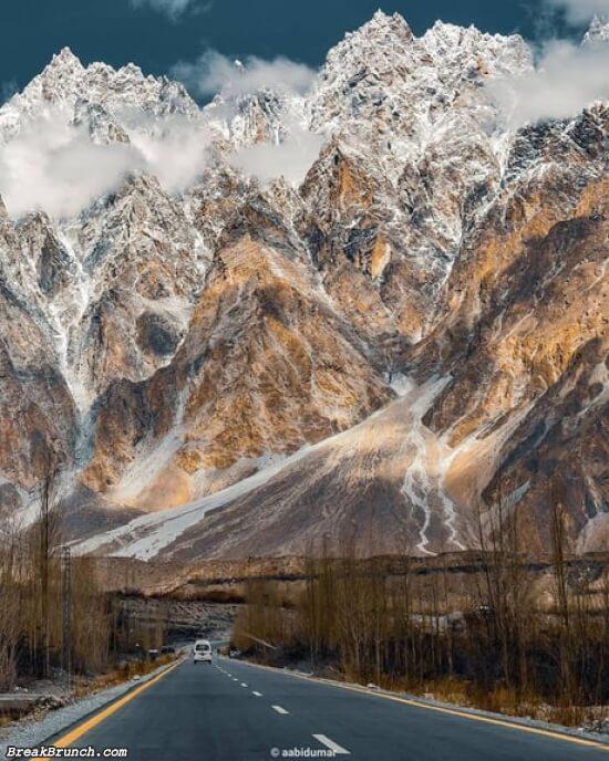 Korakaram Highway. Pakistan