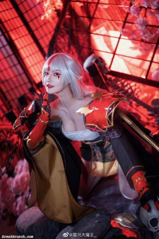 Onmyoji Vampira cosplay by Lu Er Da Mo Wang (10 pics)