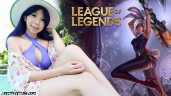 Bunny Riven League of Legends cosplay by Kitz Cua (6 photos)