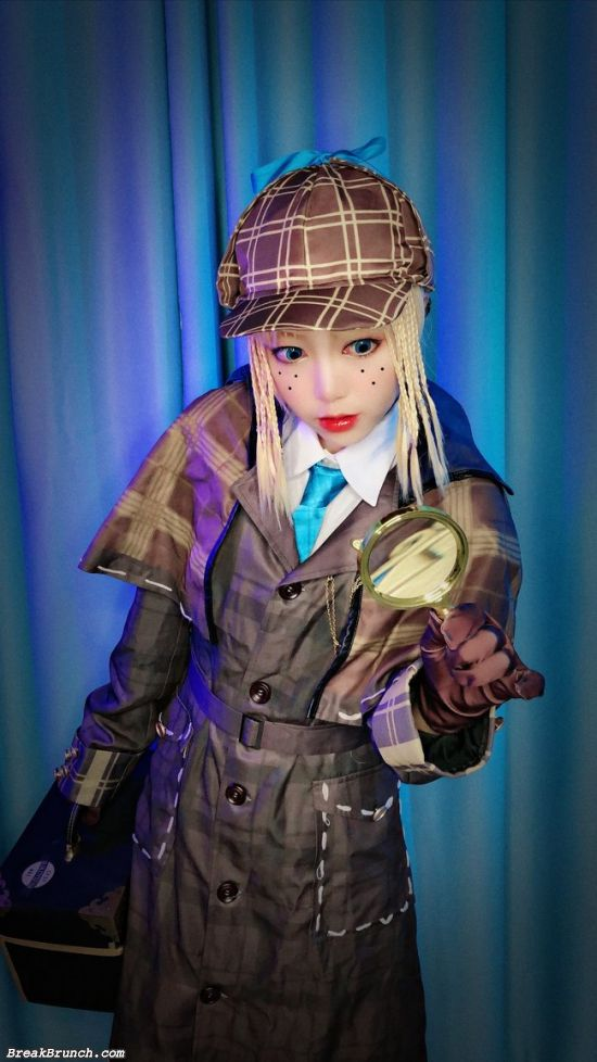 9 cosplay pictures of Emma Woods – Identity V