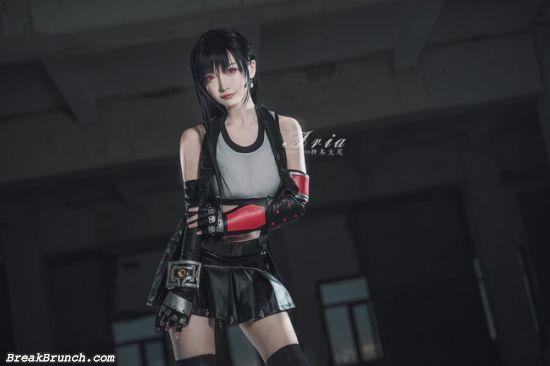 Tifa Lockhart cosplay by shenbenwuwei (15 pics)