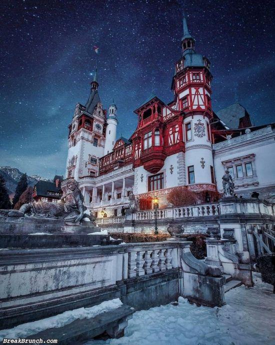 Spectacular Peles Castle in Romania